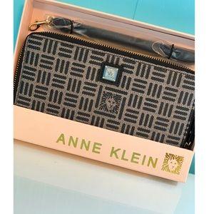 BRAND NEW- NEVER OPEN Anne Klein wallet/wristlet!